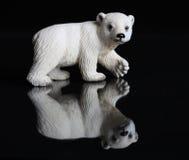 Statuetta di un orso polare Immagini Stock Libere da Diritti