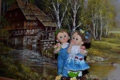 Statuette auf dem Hintergrund stockbilder