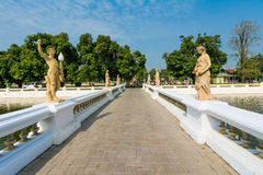 Statuette bridge in Bang Pa-In Royalty Free Stock Images