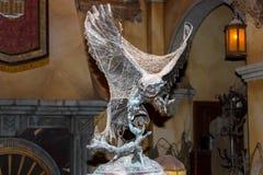Statuette im Netz. Lizenzfreie Stockfotografie