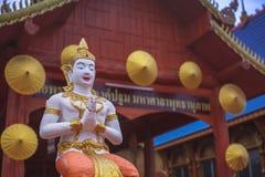 Status w Tajlandzkiej świątyni fotografia royalty free