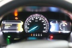 Statusleiste das Auto ` s zeigend, das Werkzeuge fährt stockbilder