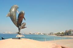 Statuto del delfino su Malecón in Puerto Vallarta II Fotografie Stock Libere da Diritti