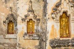 Statuts de Bouddha dans vieux Bagan Images libres de droits