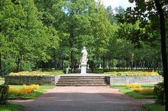 Statuy «pokój w Dużych okręgach Pavlovsky park Miasto Pavlovsk obraz stock