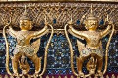 Statuy demony Uroczysty pałac Zdjęcie Royalty Free