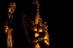 Statuy kr?lewi?tka pharaoh egipskich bog?w religii nie?ywy symbol odizolowywaj?cy na czarnym tle fotografia royalty free