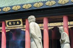 Statuy na zewnątrz głównej sala przy Che Kung świątynią, Sha cyna, Hong Kong obraz stock