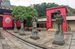 Statuy przy świątynią fotografia stock