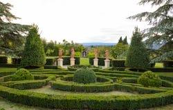 Statuy w Tuscan ogródzie Zdjęcia Royalty Free