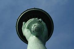 Statuy Wolności pochodnia spod spodu zdjęcia stock