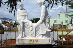 Statuy zbliżają katedrę Zdjęcie Stock