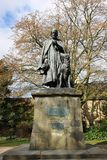Staty Alfred Lord Tennyson, vid Lincoln Cathedral Arkivfoto