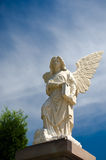 Staty av ängeln Arkivbild