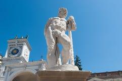Staty av århundradet 16 hercules staty Arkivbild