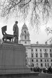 Staty av Abraham Lincoln i parlamentfyrkant Arkivfoton