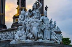 Staty av Albert Memorial, London Royaltyfri Foto