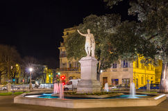 Staty av Antonin, en romersk kejsare, i Nimes, Frankrike Arkivfoton