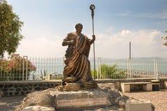 Staty av aposteln Peter, Capernaum, hav av Galilee, Israel Royaltyfri Fotografi