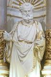 Staty av aposteln St Peter Arkivbild