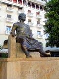 Staty av Aristoteles, Thessaloniki, Grekland arkivbilder