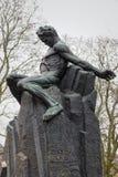 Staty av August Strindberg på Tegnerlunden i Stockholm Arkivbilder