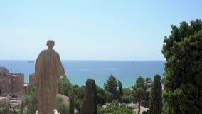 Staty av Augustus Caesar som beskådar medelhavet arkivfilmer