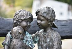 Staty av barn Arkivfoton