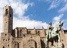 Staty av Berenguer och Roman Walls royaltyfria bilder