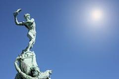 Staty av BRabo, Antwerp, Belgien Royaltyfria Foton