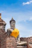 Staty av Buddha på Wat Yai Chai Mongkol, Ayudhya Arkivfoto