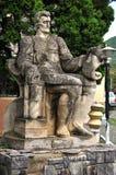 Staty av Coresi, en medeltida skrivare. Brasov Rumänien royaltyfria bilder
