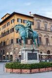 Staty av Cosimo Jag de Medici i Florence, Italien royaltyfria bilder