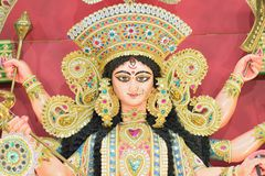 Staty av den hinduiska gudinnan Durga på Durga Puja festivaler royaltyfria bilder