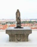 Staty av den peeing mannen arkivbild