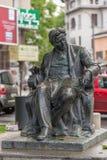 Staty av den rumänska kompositören George Enescu i Bucharest Arkivfoto