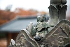 Staty av den Sinheungsa templet i Sydkorea Royaltyfria Bilder