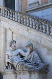 Staty av den Tiber flodguden Arkivfoton