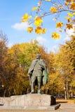 Staty av den vitryska författaren Janka Kupala Arkivbilder