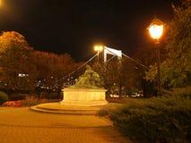 Staty av drottningen Elizabeth Arkivfoton