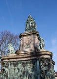 Staty av drottningen Victoria i det Lancaster England anseendet ovanför politiker, konstnärer och författare arkivbild