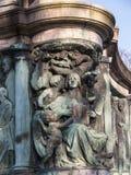 Staty av drottningen Victoria i det Lancaster England anseendet ovanför politiker, konstnärer och författare royaltyfria bilder