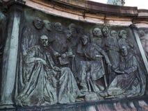 Staty av drottningen Victoria i det Lancaster England anseendet ovanför politiker, konstnärer och författare royaltyfri bild