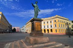 Staty av Duke Richelieu - Odessa, Ukraina arkivfoton