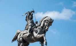 Staty av emanuele filiberto i Turin royaltyfria bilder