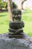 Staty av en demonvals arkivfoton