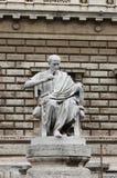 Staty av en filosof Royaltyfria Bilder