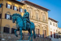 Staty av en riddare, Florence, Italien Arkivbilder