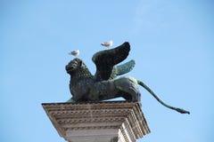Staty av ett bevingat lejon i Venedig Royaltyfri Foto