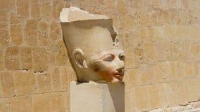 Staty av ett faraohuvud i Karnaken Royaltyfri Bild